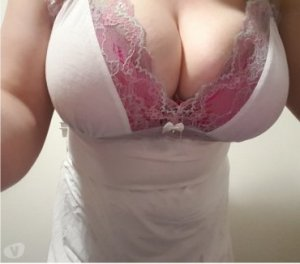 Shaily escort girl Belleville
