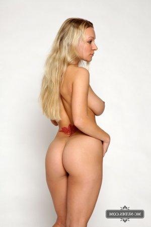 Marie-francine amateur outcall escorts Fleet, UK