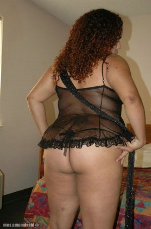 Loukia escorts in Normal, IL